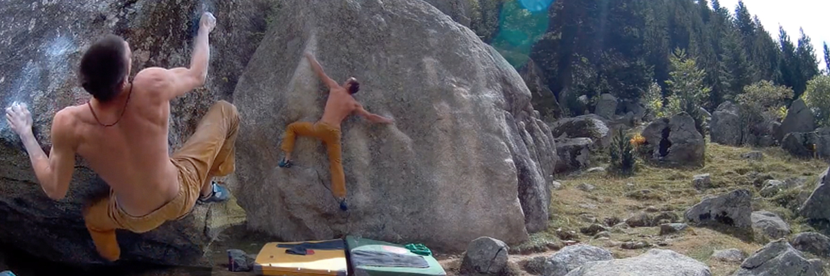 Bouldering at Cavallers by Miguel Navarro